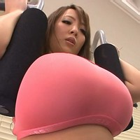Hitomi in the gym