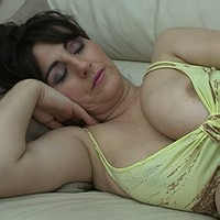 sleeping Downblouse boobs