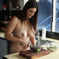 Naked chef Scarlett