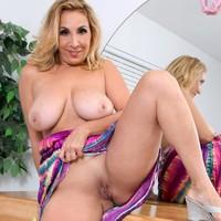 Porno sophia jewel nude she