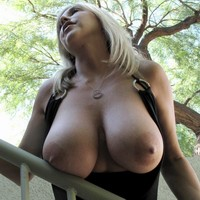 Juggs Joy Busty Clips Big Breasts In Motion