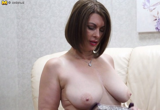 Busty mature plays with her pussy on cam 2