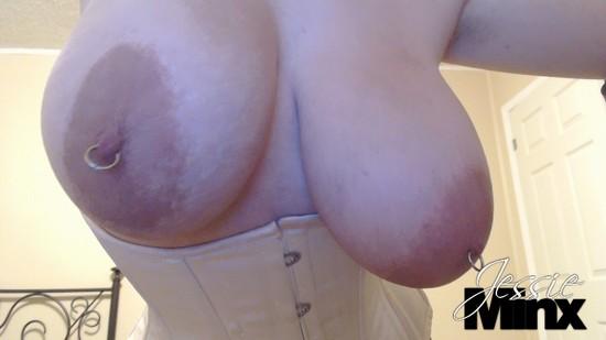 Shaking her big tits