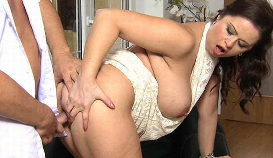 gang holly hazel escort